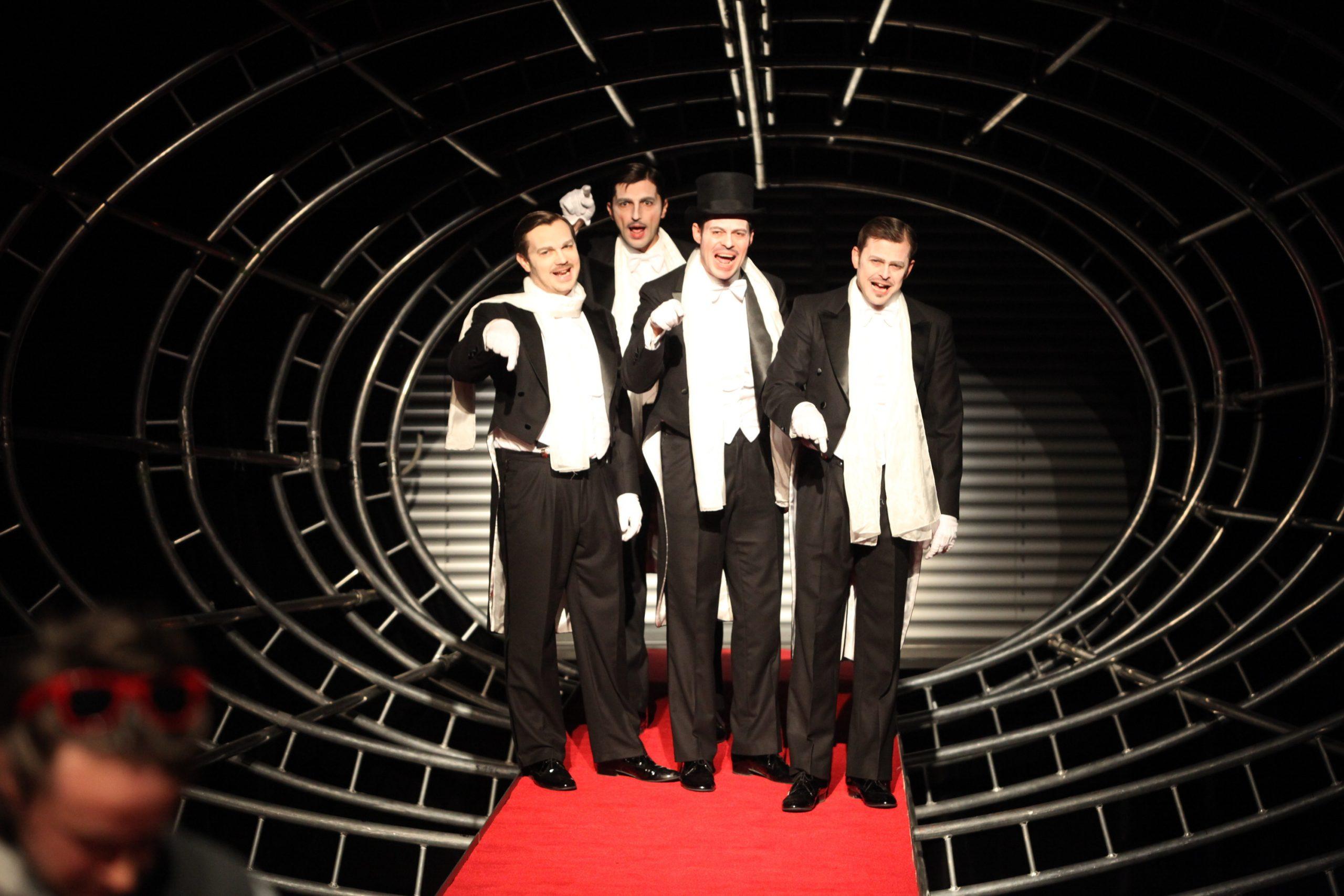 divadelná scéna - predstavenie v divadle Aréna